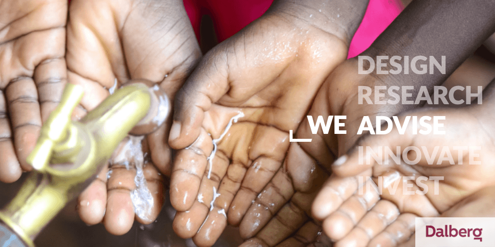 Dalberg hands collecting water