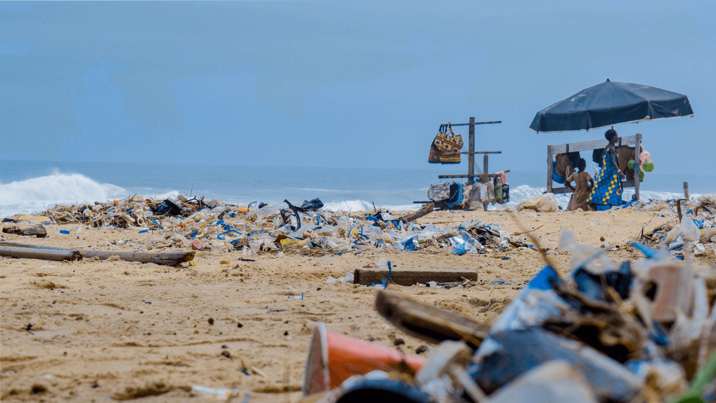 Piles-of-garbage-by-the-sea